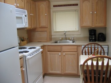 Complete kitchen vacation getaway The White House of Havre de Grace MD